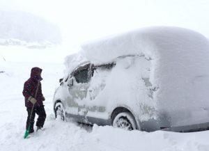 北杜市 雪 車 雪かき