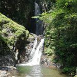 昇仙峡の秘境!パワースポットの板敷渓谷・大滝で川遊び