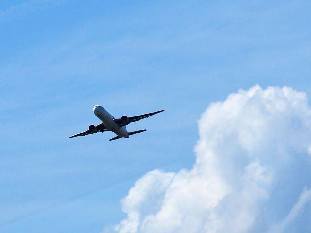 【山梨⇔空港】行き方を比較!安くて速いのは?
