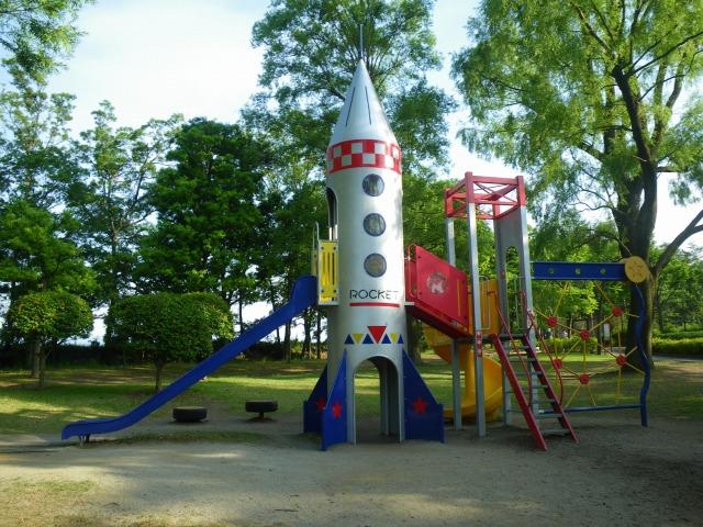 遊具 アスレチック ロケット