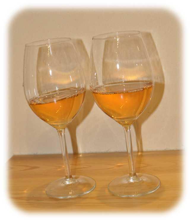 山梨 オレンジワイン グラス