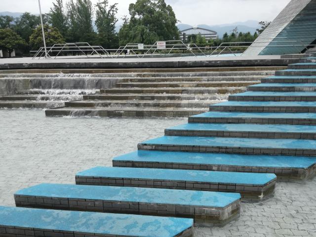 小瀬スポーツ公園の水遊び場をアップで見たところ