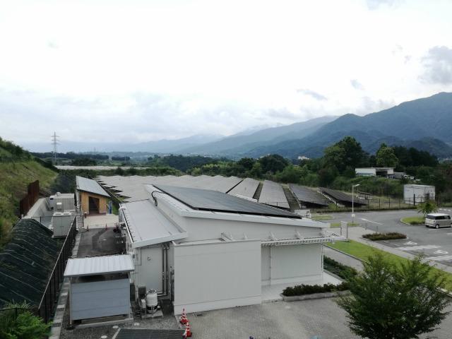 米倉山太陽光パネル
