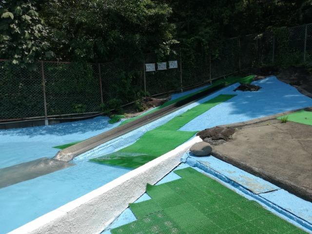 夏限定!つつじヶ崎温泉プールで遊ぼう♪ウォータースライダーもあるよ!