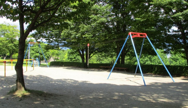 フルーツ公園のターザンロープの様子