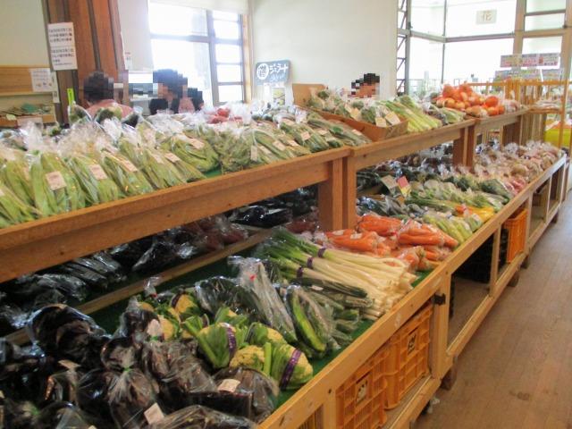 道の駅はくしゅうの直売所、野菜