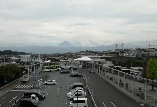 にらちびの窓から富士山が見える