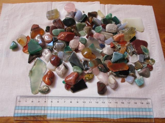 宝石さがしで持ち帰った石すべて