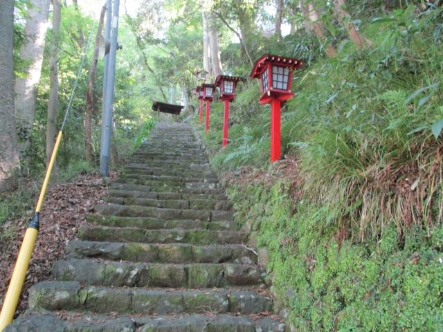 下部温泉にある熊野神社の参道