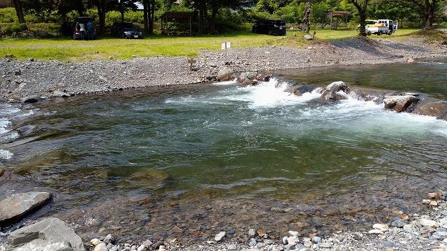 水のキレイな小菅川