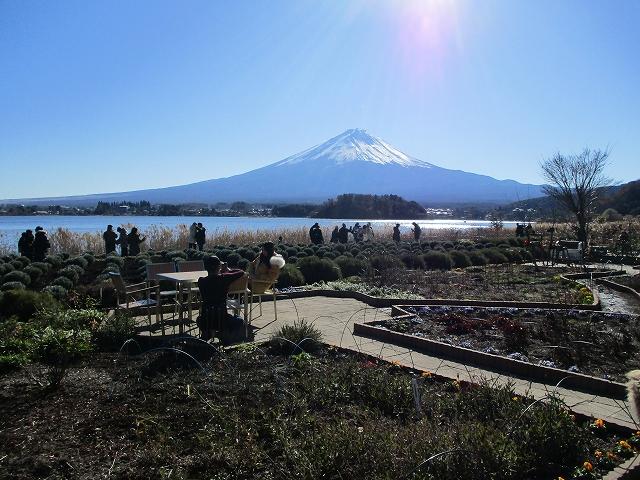 大石公園からの富士山と河口湖
