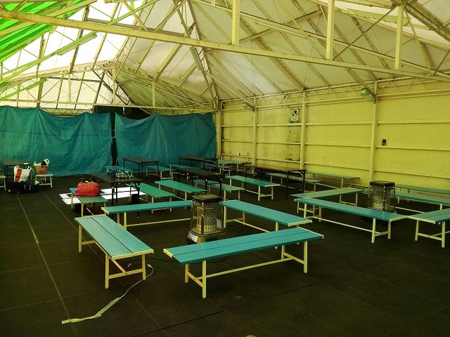 八ヶ岳スケートセンターの休憩室内の様子